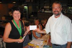 """2010 Remise chèque à """"De Leederwoon asbl Betzdorf"""""""